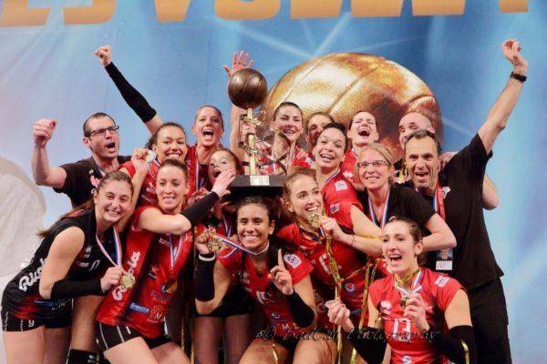 L'équipe de l'ASPTT Mulhouse Championne de France